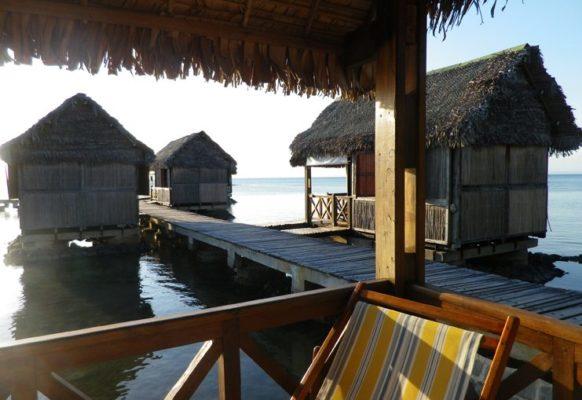 Bungalows Pilotis sur l'eau Lakana Hotel
