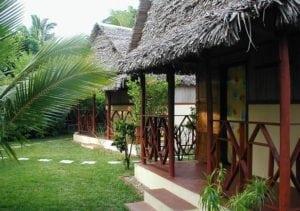 Vue extérieur des bungalows familial Lakana hotel