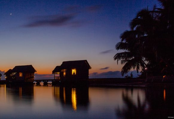coucher-de-soleil-bungalow-sur-pilotis1